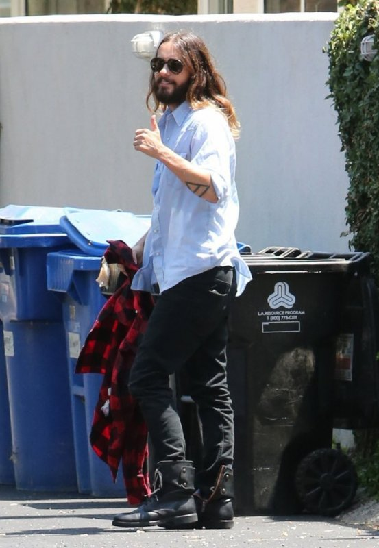 Jared Out in Studio City – 11 June 2014