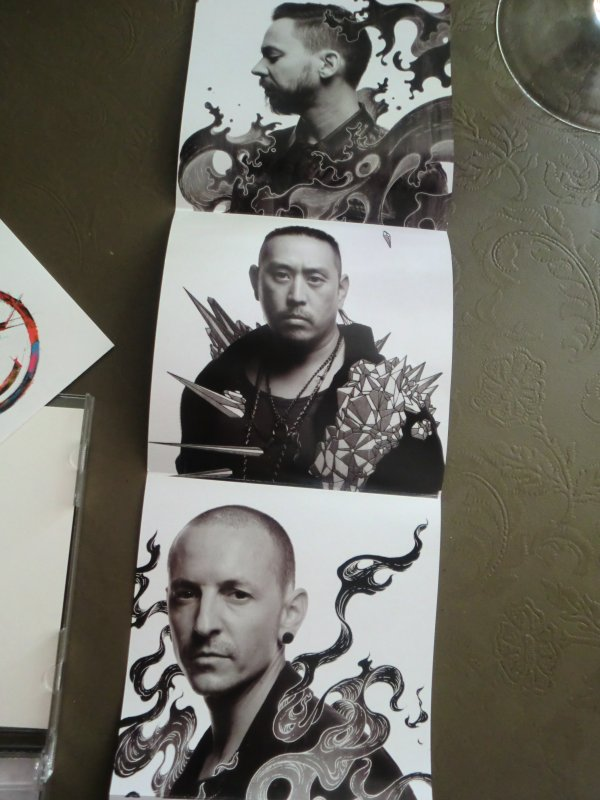 "Mon Précieux !!!!!!!! New LINKIN PARK ""The Hunting Party"" Just Enorme !!!! <3 <3"