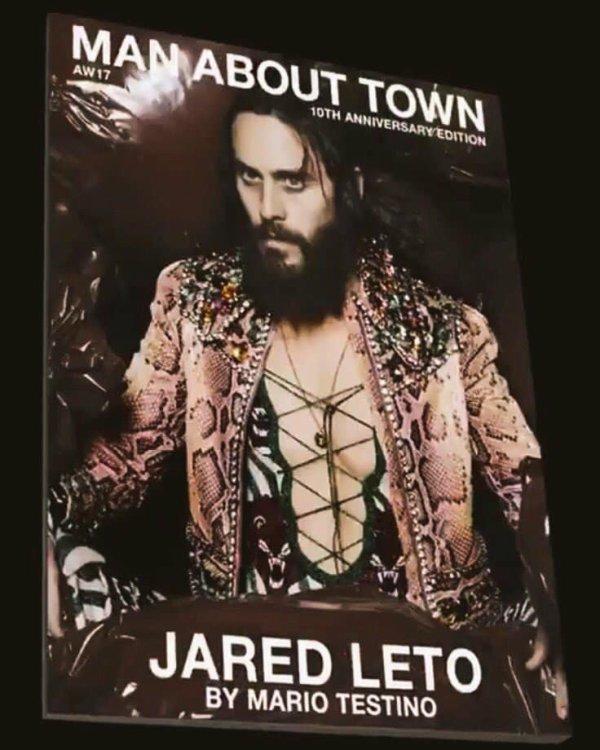 Jared photographié par Mario Testino pour les 10 ans du magazine Man About Town