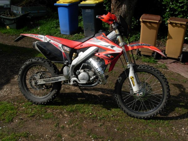Mon ancienne HM RACING CRE SIX 50 VERSION CR 2006 12 Chevaux