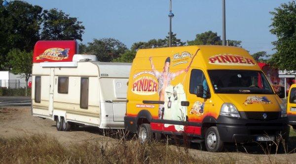 Nouveautée maquette Pinder ! Les fourgons Renault master de Frédéric Edelstein