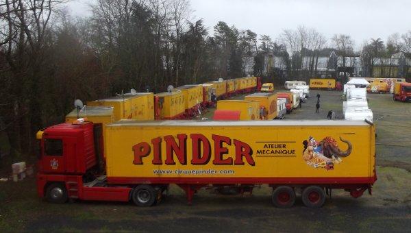 Montage cirque Pinder Poitiers février 2017 (3)