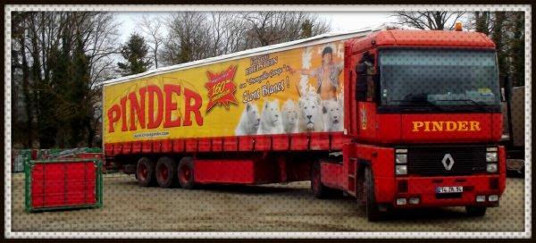 Montage cirque Pinder Poitiers février 2017 (7)