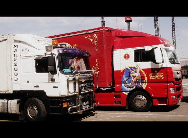 Montage cirque Bouglione à Nantes avril 2017 (6)