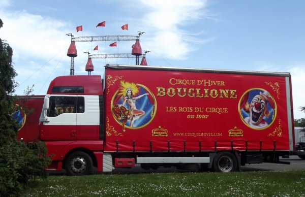Montage cirque Bouglione à Nantes avril 2017 (8)