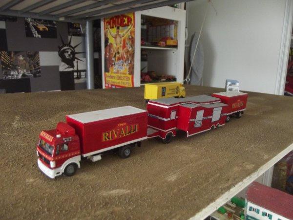 Maquette cirque RIVALLI  1/87ème, convoi n°1