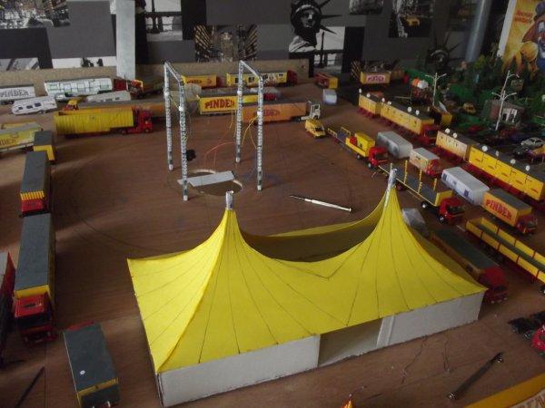 Nouveauté maquette Pinder 1/87 : la grande tente d'entrée !!!!
