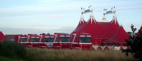 Le cirque Claudio Zavatta à la Tranche sur mer pendant une grande partie de l'été, bientôt d'autres photos