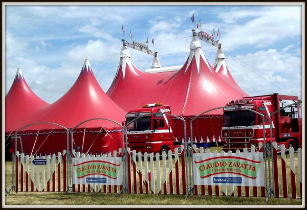 Le cirque Claudio Zavatta à la Tranche sur mer juillet 2017 (11)