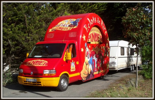 Arrivée du cirque Pinder à Saint gilles croix de vie août 2017