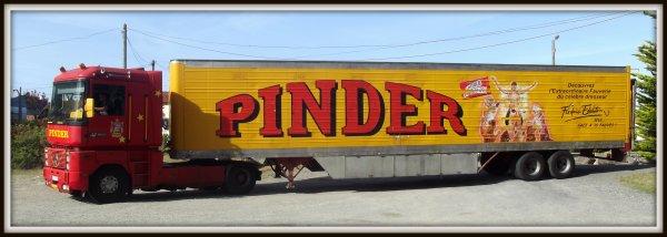 Arrivée du cirque Pinder à Saint gilles croix de vie août 2017 (2)