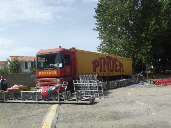 Arrivée du cirque Pinder à Saint gilles croix de vie août 2017 (8)