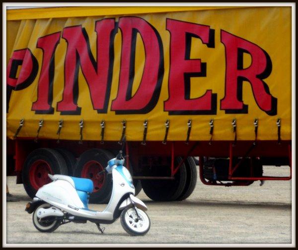 Nouveauté maquette Pinder 1/87 : le scooter de Frédéric Edelstein !!!!