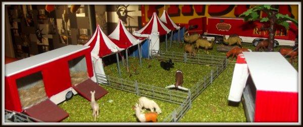 Nouveau convoi et nouvelle tentes ménageries maquette cirque Rivalli 1/87