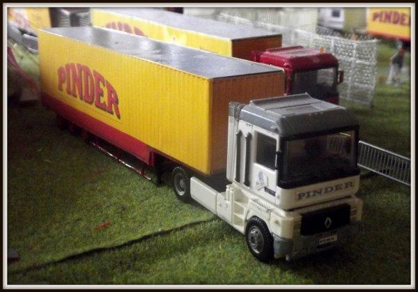 Nouveautés 2017 Maquette cirque Pinder 1/87