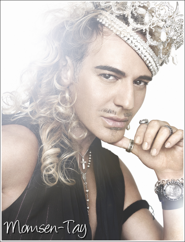 ;Le magazine Grazia a révélé que Taylor avait été choisie par le créateur John Galliano pour être le visage de son nouveau parfum, qui sortira cet automne. ;