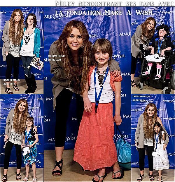 .21/04/11  Miley est allé diner hier soir avec sa famille à Casa Vega. (Studio City, CA).