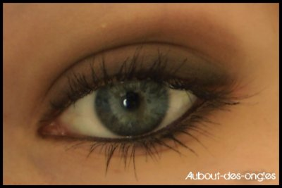 Maquillage marron & noir