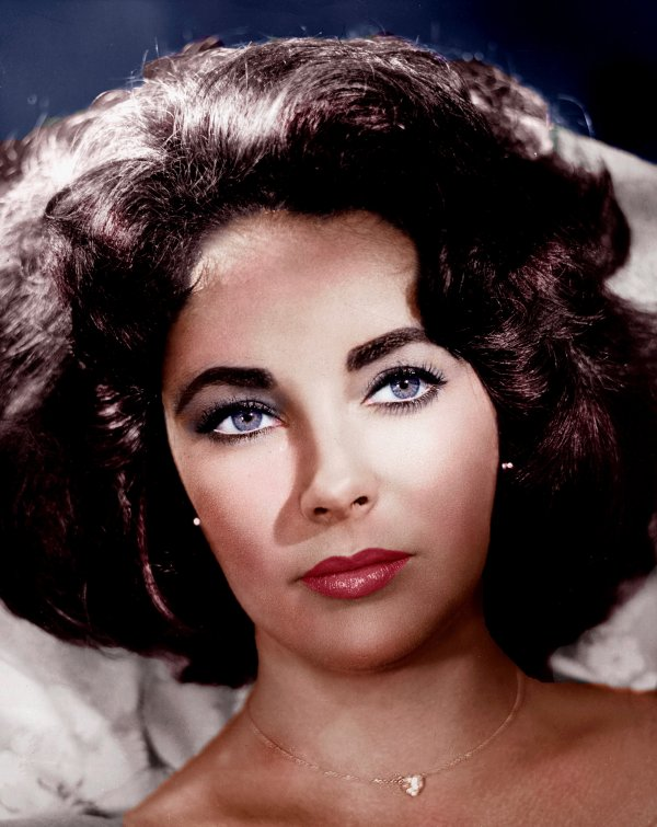 Dame Elizabeth Rosemond Taylor (27 février 1932---23 mars 2011)