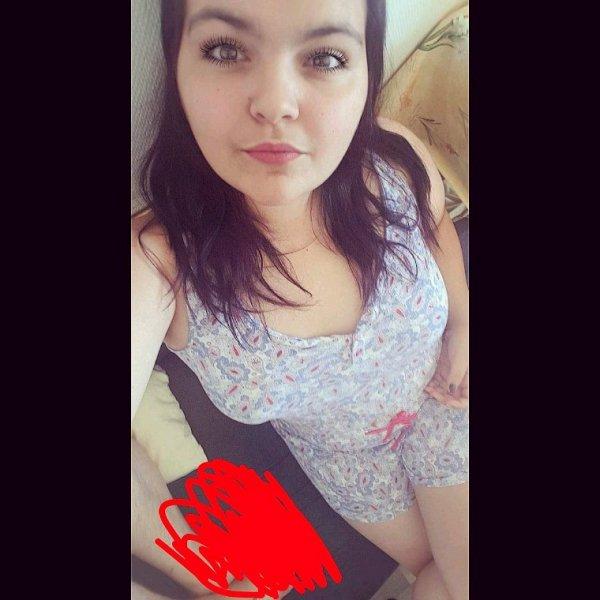 Natacha, 19ans, célibataire.