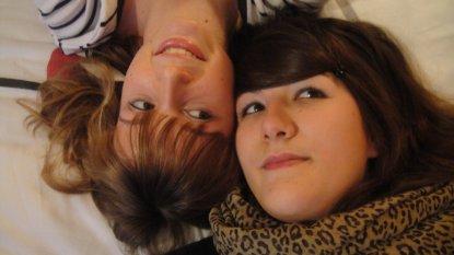Une amie c'est bien mais une comme toi c'est beaucoup mieu. :)