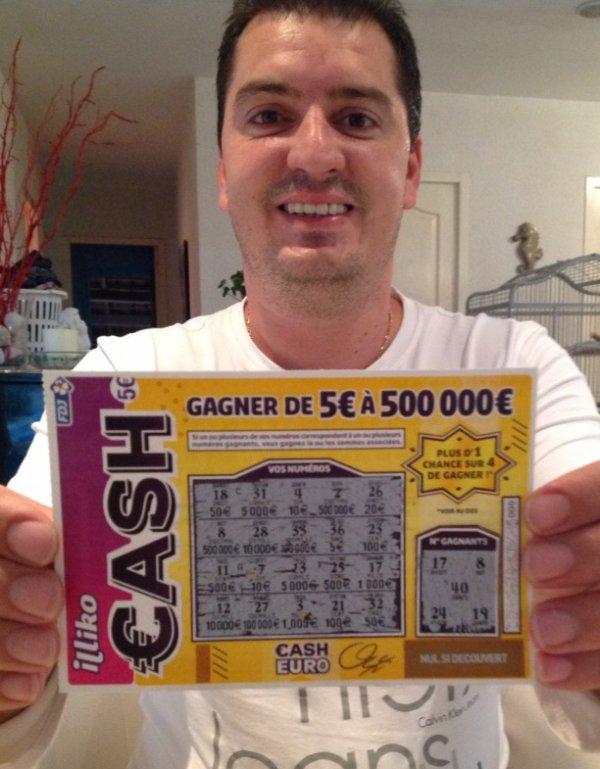 Il brûle un ticket gagnant de 500 000 euros!