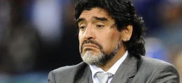 Diego Armando Maradona papa pour la quatrième fois