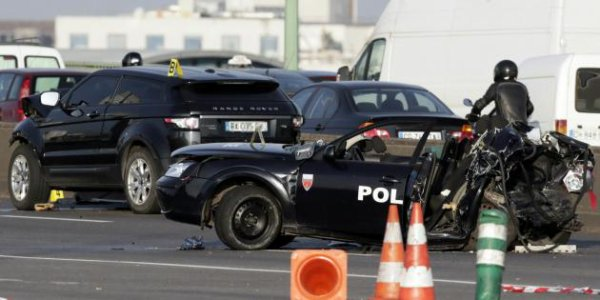 Deux policiers tués à Paris : le chauffard et le passager toujours en garde à vue