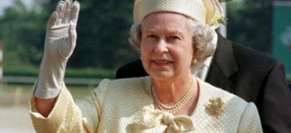 Grande Bretagne: La Reine Elisabeth II hospitalisée d'urgence en raison d'une infection à l'estomac