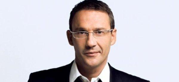"""France 2 vire Julien Courbet suite à des tweets jugés """"inacceptables"""" par la chaine !"""