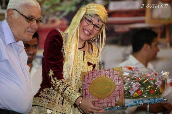 الفنانة المتؤلقة ليلي بن مراح -وهران-