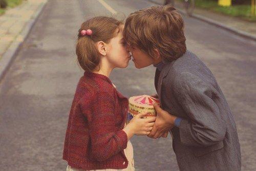 « Il y a des larmes d'amour qui dureront plus longtemps que les étoiles du ciel. » - Charles Peguy
