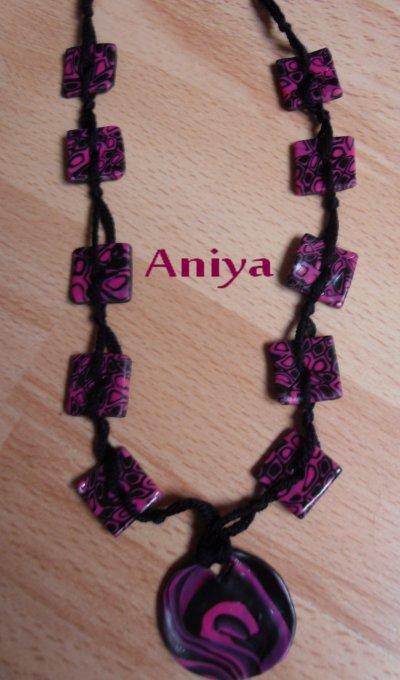 Sautoir cane cible rose et noire