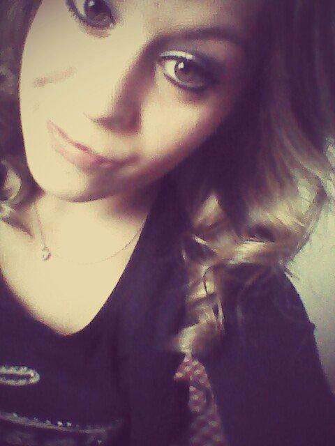 Comme les rêves sont cruels, Ils nous laissent entrevoir des merveilles, Pour mieux nous en priver.