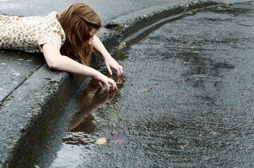 <<L'adolescent est l'être qui blâme, qui s'indigne, qui méprise.>>