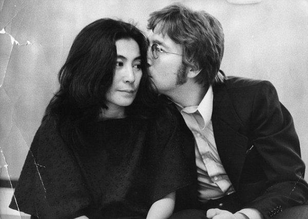 Whos is Yoko Ono? ♥