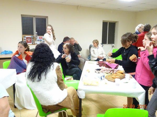 Le retour du comice : réconfort bien mérité autour d'un buffet campagnard