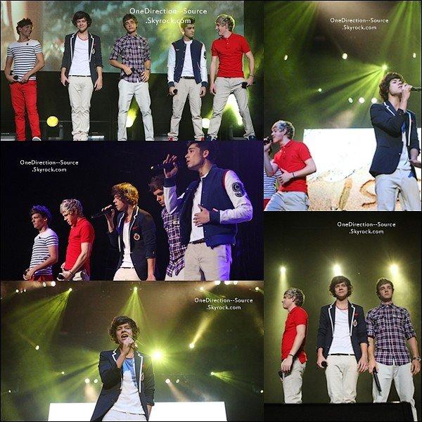 • 16 Avril :  - Les garçons en concert à Melbourne .