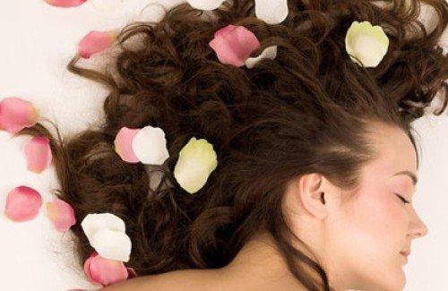 ********* comment  parfumer  ses  cheveux  **********