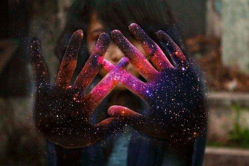 Si nous pleurons parce que le soleil n'est plus là, nos larmes nous empêcheront de voir les étoiles~