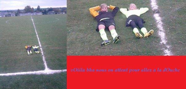 mOii && Celine :) Au Football :D