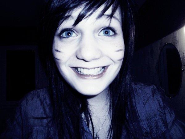 Un jour, j'ai essayé de sourire, ça m'a fait mal aux joues.