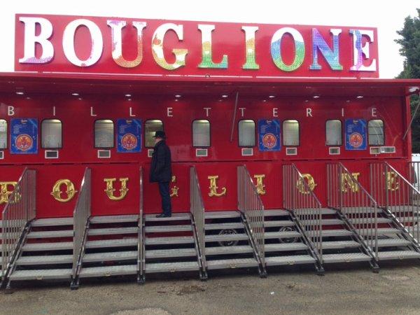 Tres jolie caisse du cirque bouglione