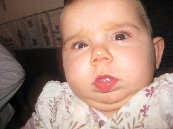 Ilona ma petite fille qui va avoir 7 mois le11