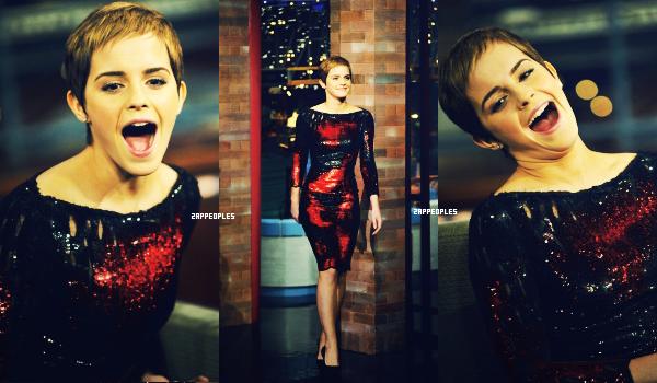 15 / 11 / 10 Emma Watson était sur le plateau Late Show With David Letterman. Elle a beaucoup changée...ça coiffure me plait moyennement, je la préféré avant  8) , coté look sa robe est très belle. Emma à l'air de bien s'amuser ! :D
