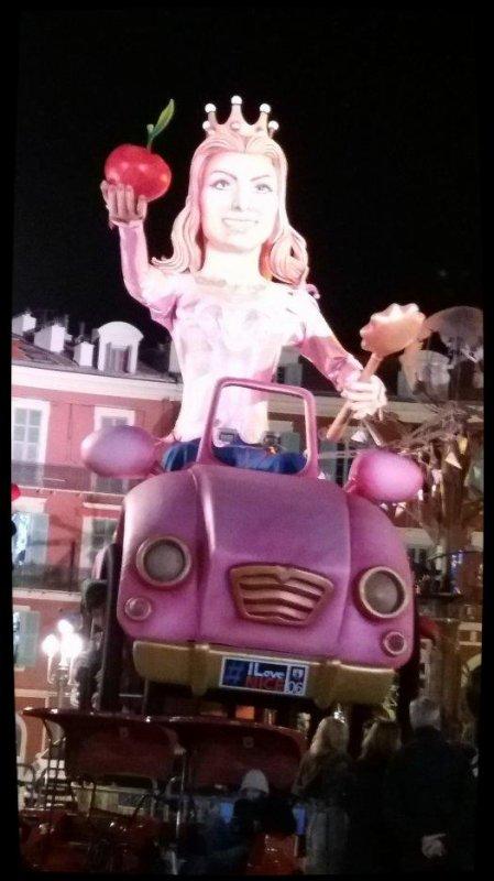 Carnaval de Nice : corso carnavalesque. Février 2017. Thème : roi de l'énergie.