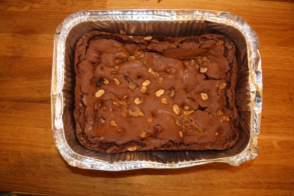 Brownies au cacahuettes et sauce caramelle =)miam