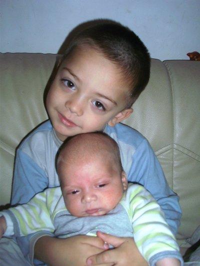 (l) Les 2 frères (l)                                (l) Nos enfants (l)