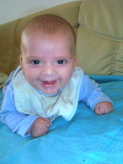 J'adore le voir si heureux mon baby boy d'amour (l)