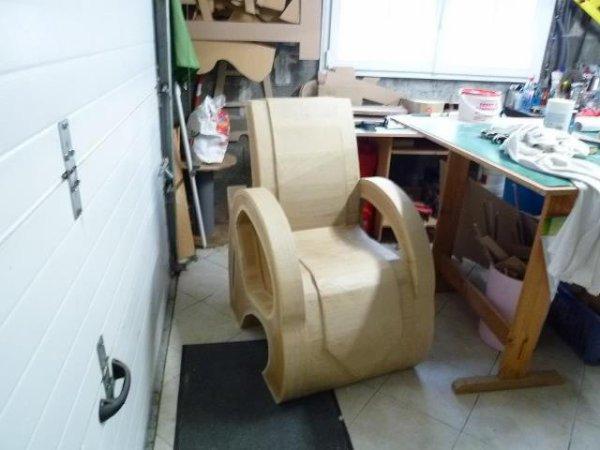 fauteuil en cours de finition.